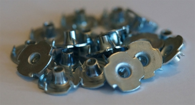 Picture of 10 x M3 Blind Nuts